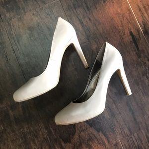Moda Gray Heels